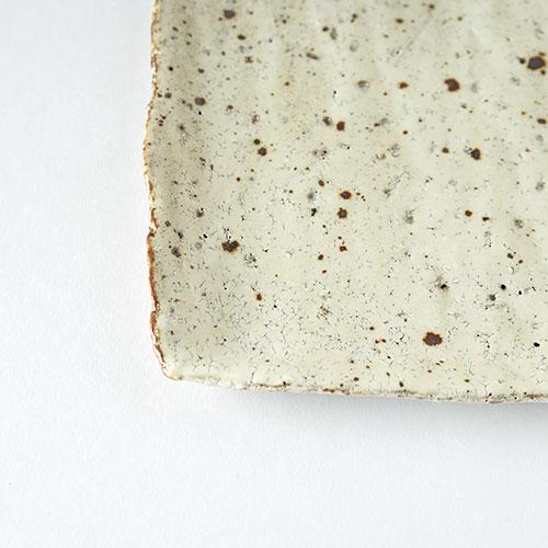 鉄吹粉引き 角皿・大/亀井 紀子(陶工房 もちの木)